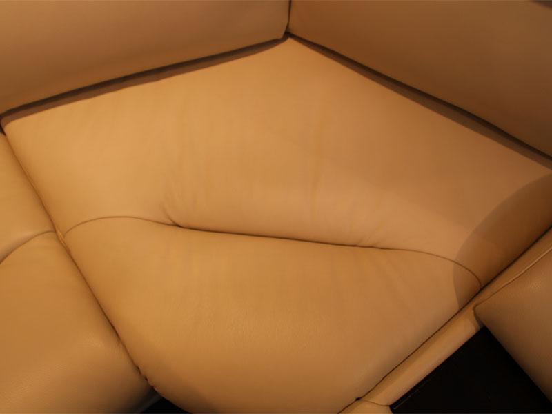 Покраска части дивана